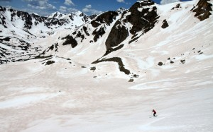 Skiing into the high basin