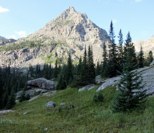 The north ridge as seen from a higher plateau above Fairview Lake