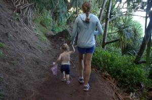 Sawyer & K hiking the Kalalau Trail